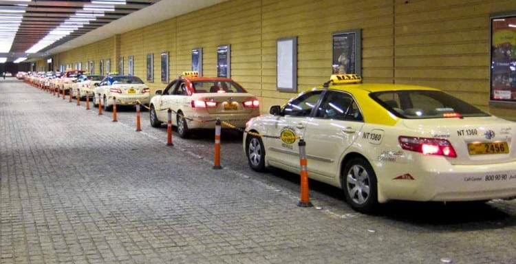 Taxi rank at the Dubai Mall