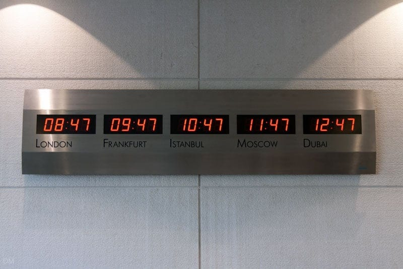 Clock showing time in London, Frankfurt, Istanbul, Moscow, and Dubai.